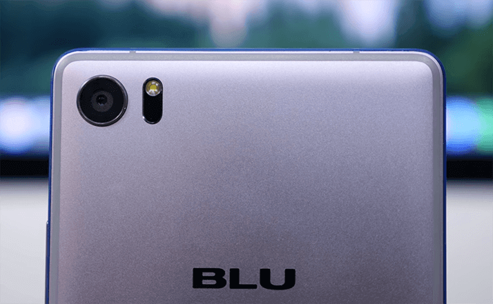 camera of Blu pure xr mobile