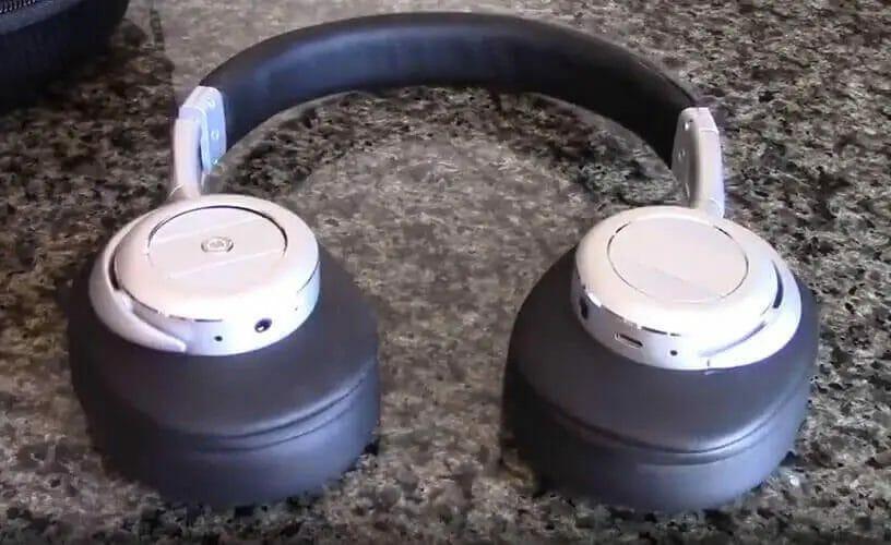 Picture of my Bohm B76 headphone